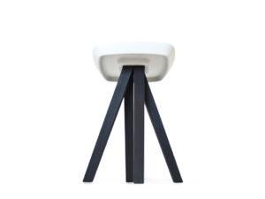 Tabouret-Ydin-black-burned---inoow-design-2012---fond-blanc